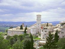 Enjoy exploring the magnificent villages, villas and sweeping hills of Tuscany and Umbria